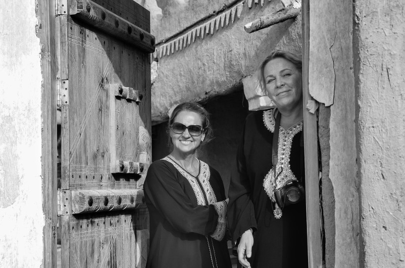 western female tourists in Riyadh