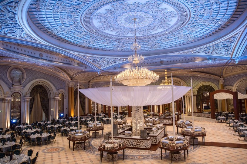 The exquisite Chandeliers and ceiling decorations of the Ritz Carlton Riyadh never seize to amaze.